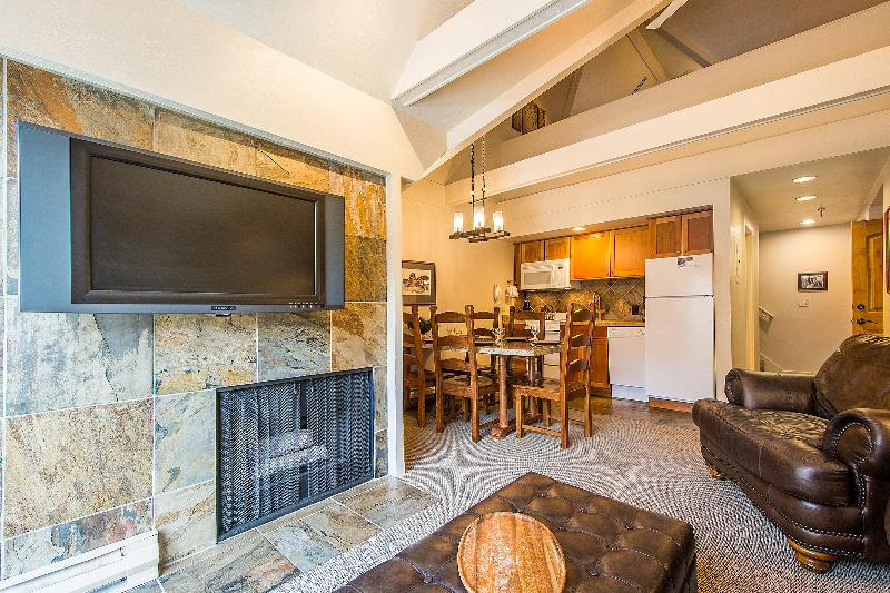 Living/Dining/Kitchen with Fireplace and HDTV - 2BR/2BA Ski-In/Ski-Out w Slopeside Mountain View! - Park City - rentals