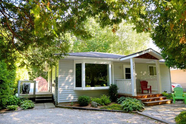 Cedar Wynd cottage (#563) - Image 1 - Southampton - rentals
