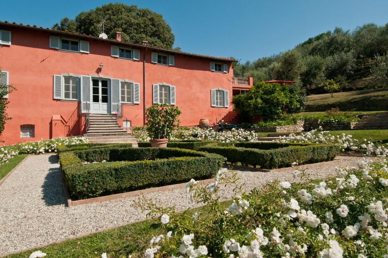 7 bedroom Villa in Lucca, Lucca and surroundings, Tuscany, Italy : ref 2307265 - Image 1 - Lucca - rentals