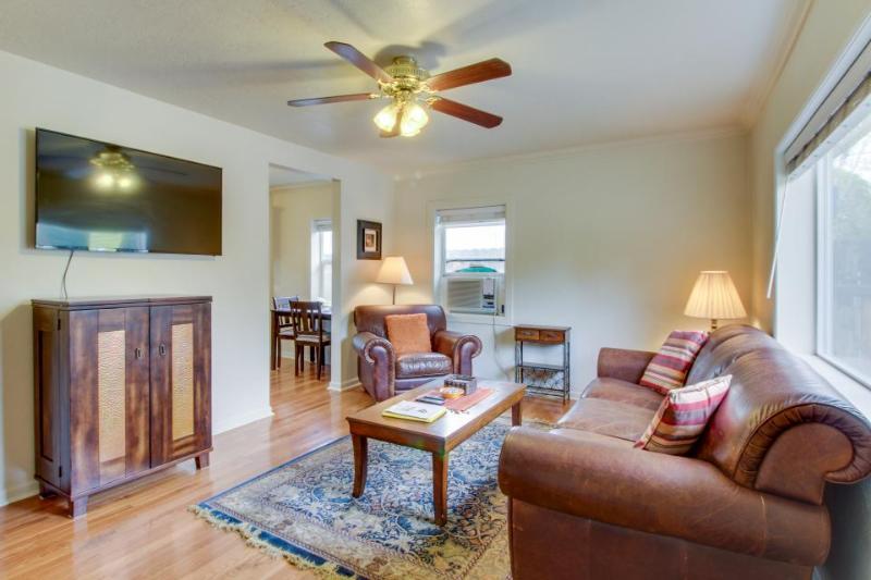 Single-level cottage near historic Boise Train Depot & BSU! - Image 1 - Boise - rentals