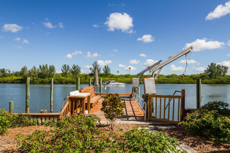 "Watch boats, dolphins, birds from your private dock - WATERFRONT HOME ""BOATERS DREAM"" 2br/3ba Pets OK - Redington Shores - rentals"