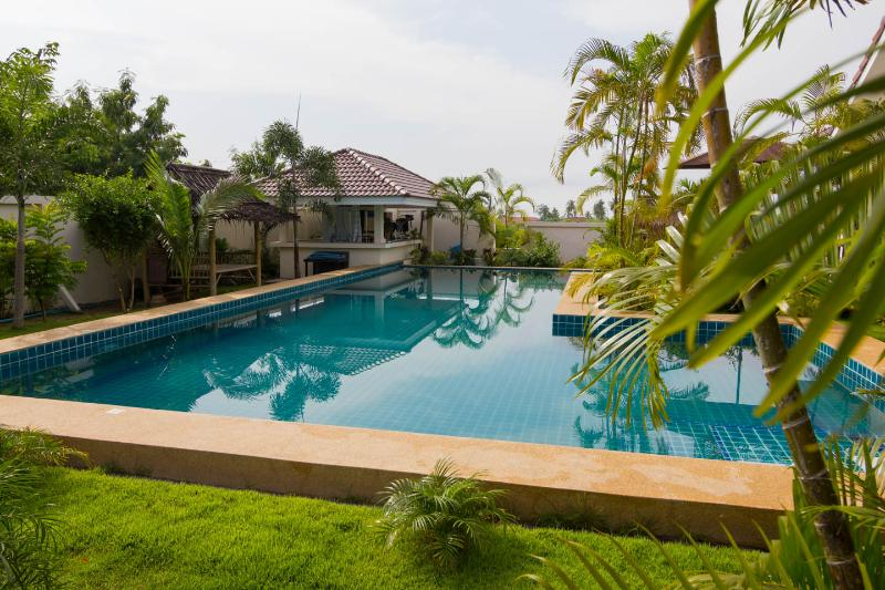 Modern Thai luxury 2 bed villa in Bangsaray - Image 1 - Ban Bueng - rentals