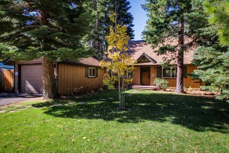 Family-friendly home 7 miles from Heavenly Ski Resort & 2 miles from Lake Tahoe! - Image 1 - South Lake Tahoe - rentals