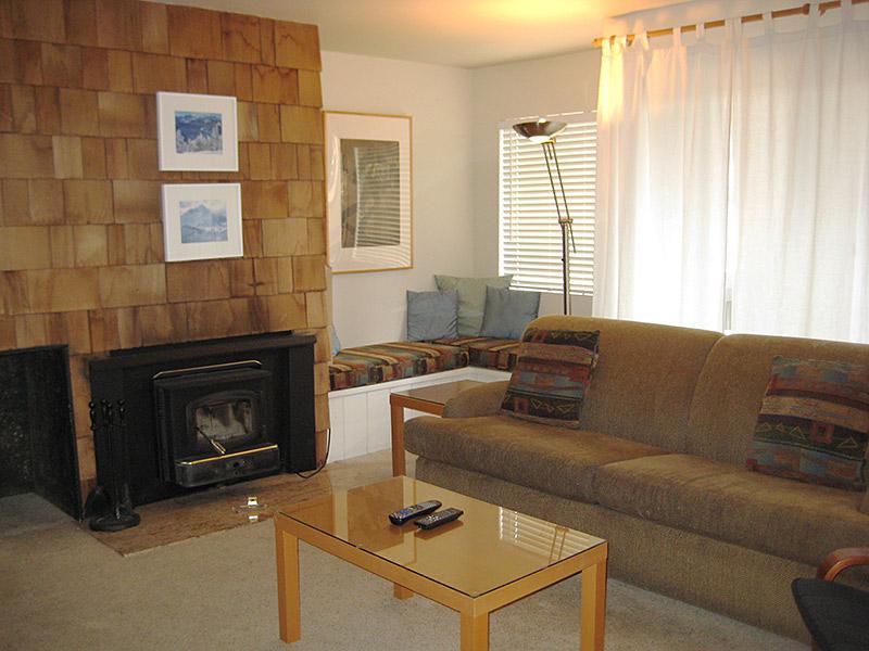 Living Room - Bigwood - BW037 - Mammoth Lakes - rentals