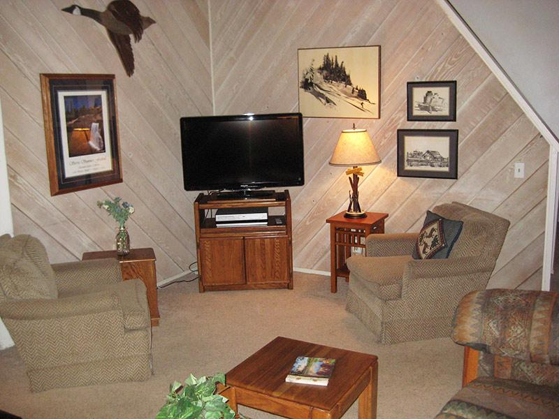 Living Room with Flat Screen TV - Sherwin Villas - SV68G - Mammoth Lakes - rentals
