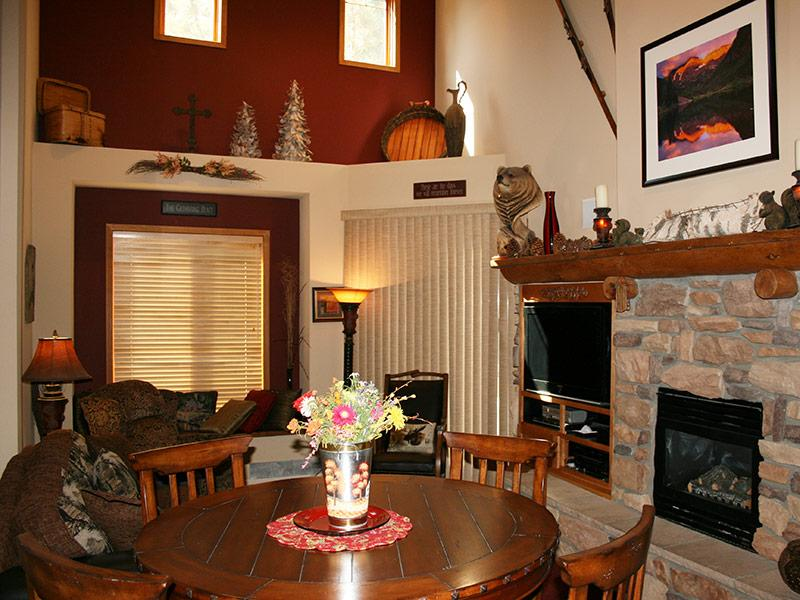 Living Room - Mammoth Green - MG208 - Mammoth Lakes - rentals