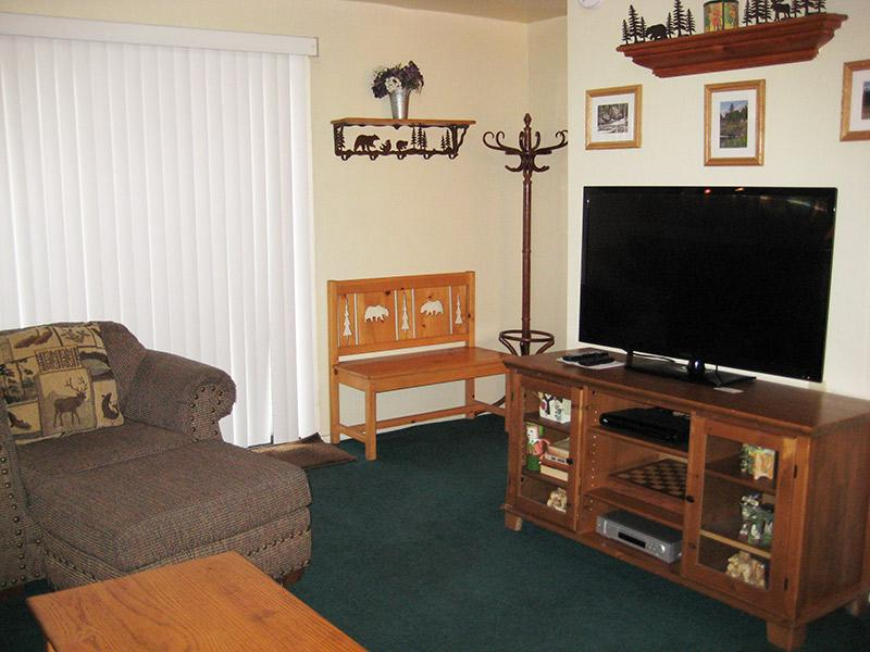 Living Room and Flat Screen TV - La Vista Blanc - LVB69 - Mammoth Lakes - rentals