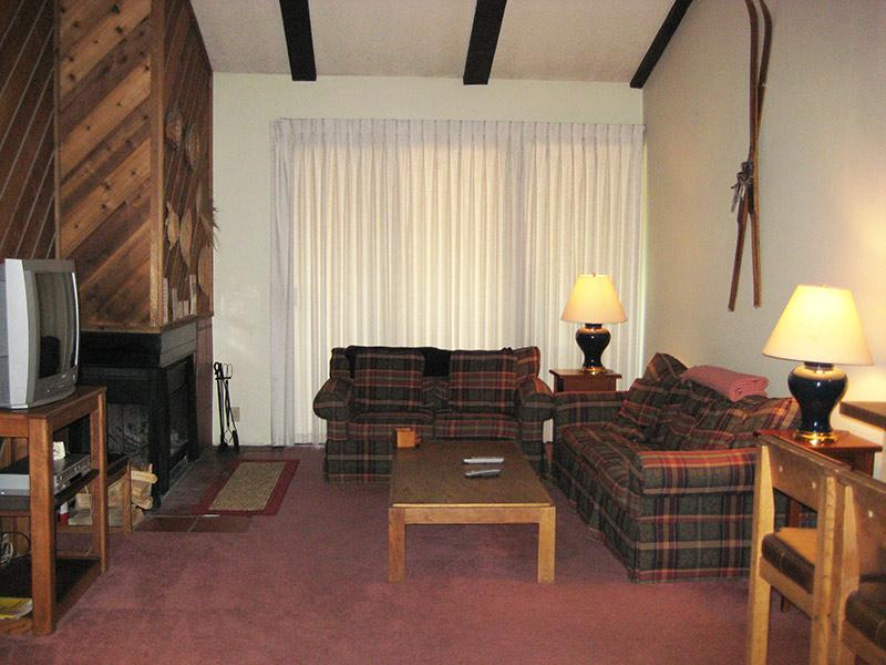 Living Room - Crestview - CV070 - Mammoth Lakes - rentals