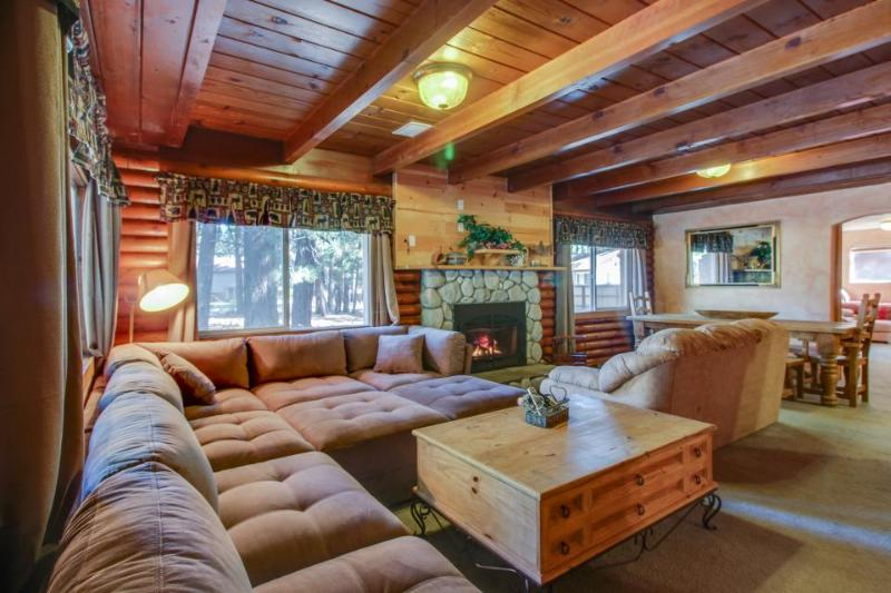 Two-story Tahoe cabin with room for 10 and private hot tub - Image 1 - South Lake Tahoe - rentals