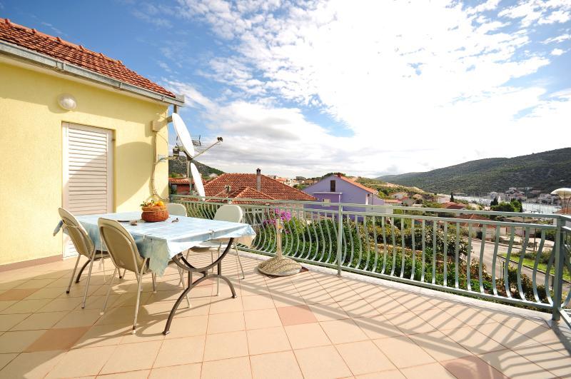 Apartments Bilo - 32111-A2 - Image 1 - Marina - rentals