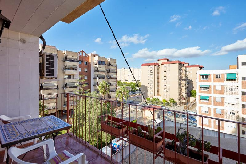 NICE APARTMENT IN THE CITY, RENOVAT - Image 1 - Alicante - rentals