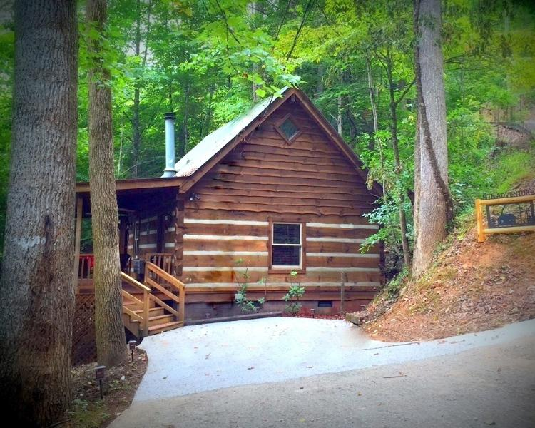 Wow -Secluded, newly renovated. Awesome Cabin - Mountain Adventure - Newly Remodeled - Mountain Adventure - Townsend - rentals