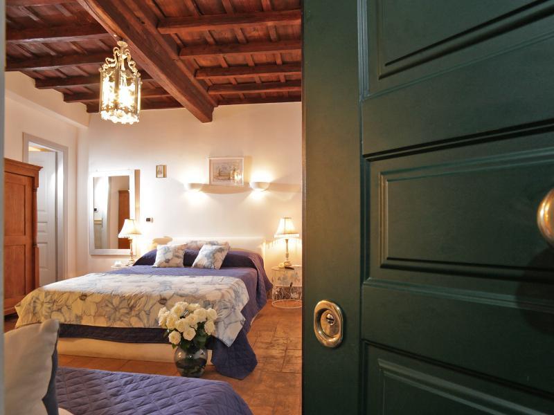 FORUM STUDIO - Entrance - NOSTROMONDO - Delightful FORUM Studio -Roman Forum - Rome - rentals