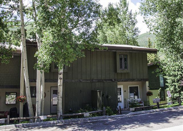 Ptarm 22 Exterior - Ptarmigan #22 - lovely 3 bed + loft townhome in West Vail - Vail - rentals