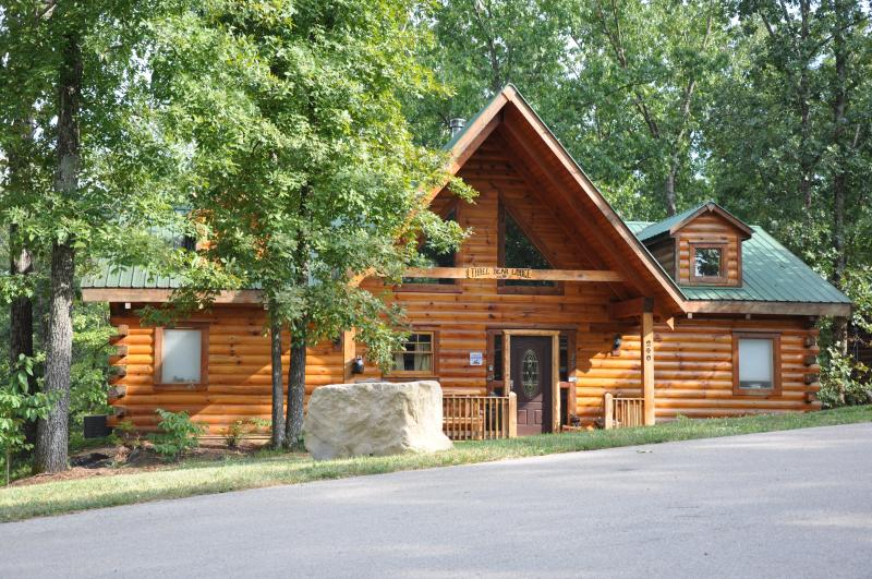 Amazing All Wood Log Cabin in the woods with Hot Tub - 2 Bed All Wood Log Cabin- wifi, hottub SPECIALS - Hollister - rentals