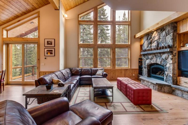 Gorgeous interior, tons of space, private hot tub, shared pool - Mountain Views! - Image 1 - Truckee - rentals