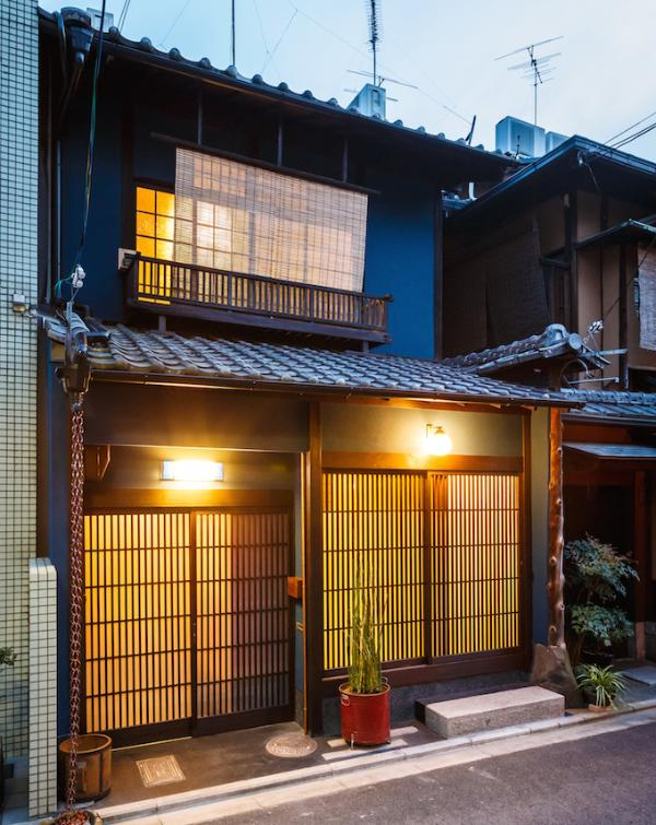 Exterior (entrance to Lower Level on left) - Indigo House Gion Lower Level - Kyoto - rentals