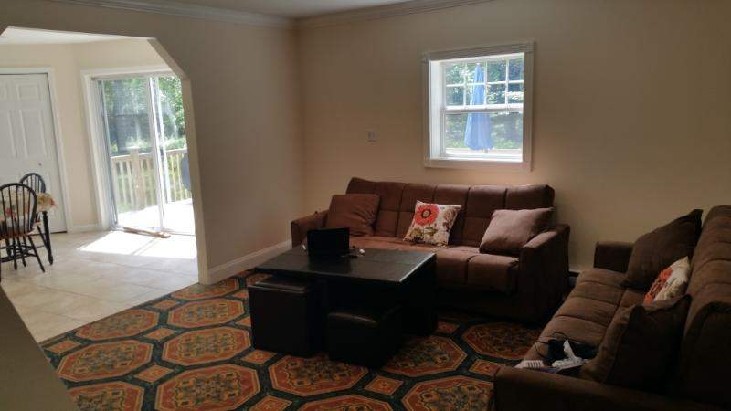 Living room - HUGE 5 BR NEAR MT.POCONO AND CAMALBEACH WATER PARK - Mount Pocono - rentals