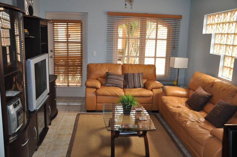One of Aruba's finest 5 star properties - Image 1 - Palm/Eagle Beach - rentals