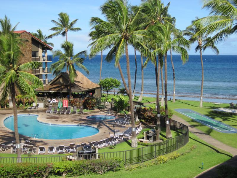 Hear the ocean waves as you overlook the beautiful resort pools and grounds. - Renovated! Ocean views! 2 bedroom Top Floor!! - Lahaina - rentals