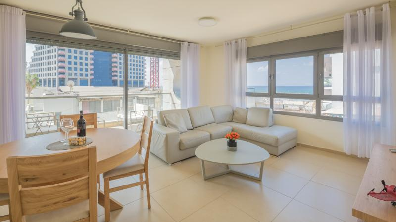 Suite Sky - Living Room - 1 Min to the Beach-75m2-Free Parking & WiFi- Cview - Tel Aviv - rentals