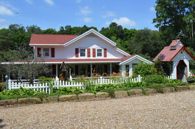 The Front of the Mohican Farmhouse. - Mohican Farmhouse - Loudonville - rentals