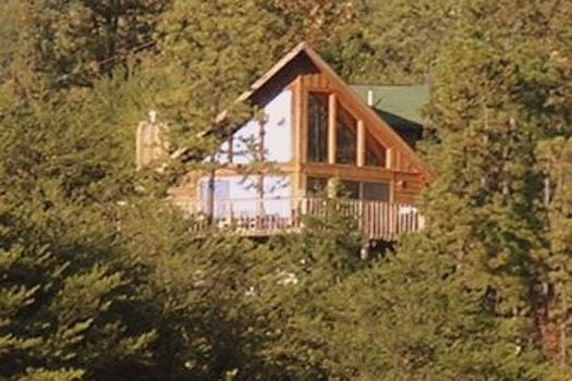 Exterior Back View at R & R Hideaway - R & R HIDEAWAY - Pigeon Forge - rentals