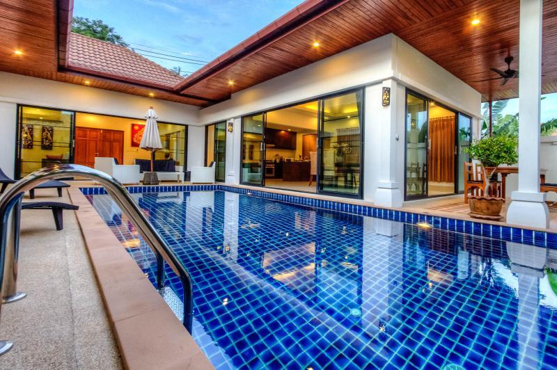 Privacy & Stunning Pool Villa in Rawai - Image 1 - Rawai - rentals