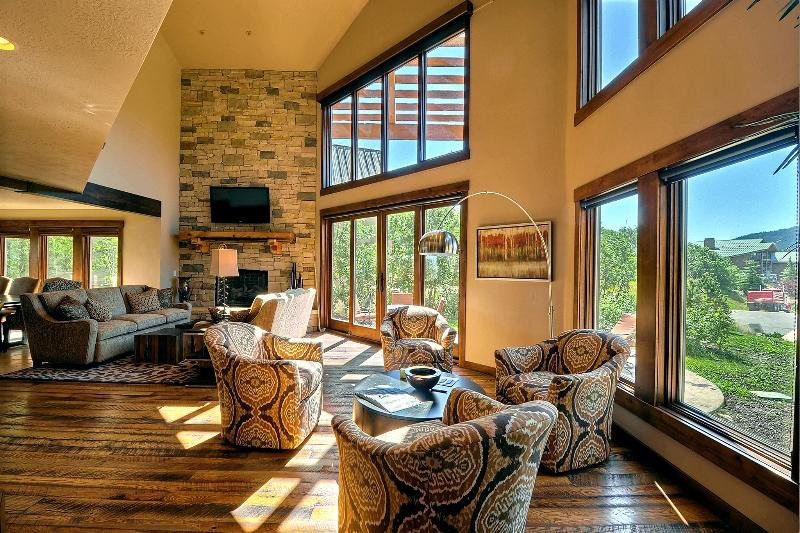 Five Bedroom Home Overlooking Park City and Deer Valley - Image 1 - Park City - rentals