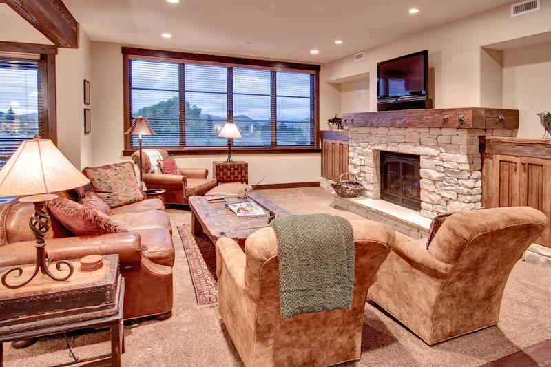 Park City Ski-in/Ski-out Condo with 2 Bedrooms and Spa! - Image 1 - Park City - rentals