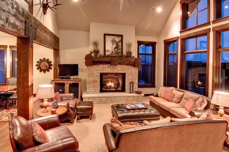 Huge 4,200 SQ FT Ski-in/Ski-out 5 Bedroom Cottage! Mid-mountain!! - Image 1 - Park City - rentals