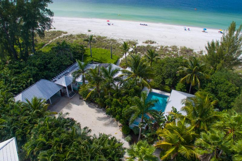 Limefish, spectacular beachfront location! - Image 1 - Anna Maria Island - rentals