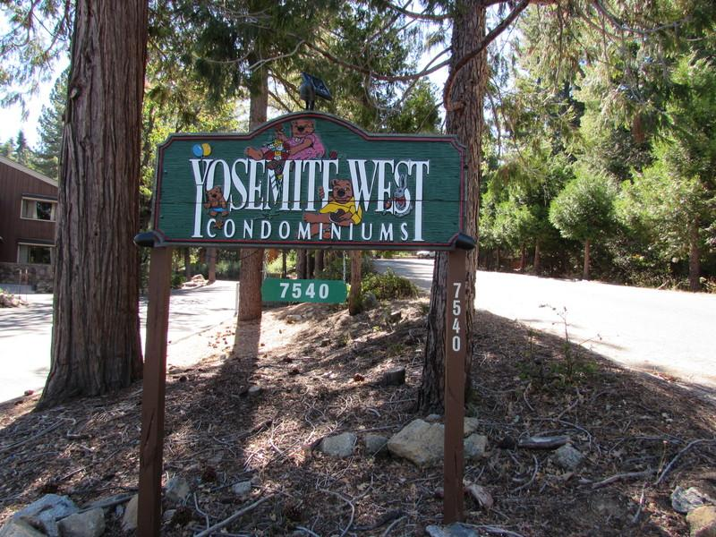 Yosemite West Condominiums - Yosemite Cozy Corner Condo is Comfy, Economical - Yosemite National Park - rentals