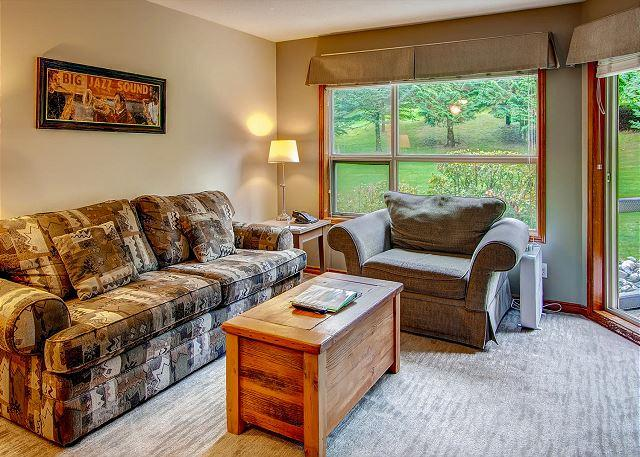 Living Room - Aspens #248, 2 Bdrm, Ski in Ski out, Bright Mountain View, Free Wifi & BBQ - Whistler - rentals