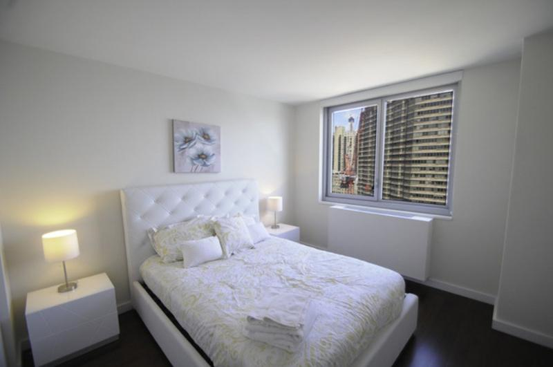 STUNNING 3 BEDROOM APARTMENT IN NEW YORK - 2 - Image 1 - Long Island City - rentals