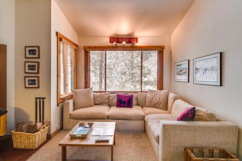 Ski-in/ski-out condo w/ rec center access & shared pool and hot tub! - Image 1 - Northstar - rentals