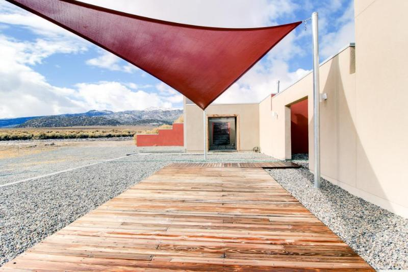 Remote location, off the grid with great desert views, WiFi! - Image 1 - Benton - rentals