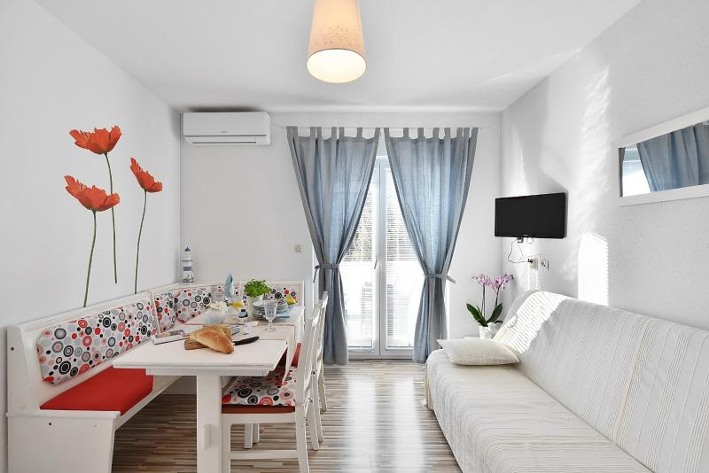 Apartments Sarbunal - 40711-A2 - Image 1 - Bol - rentals
