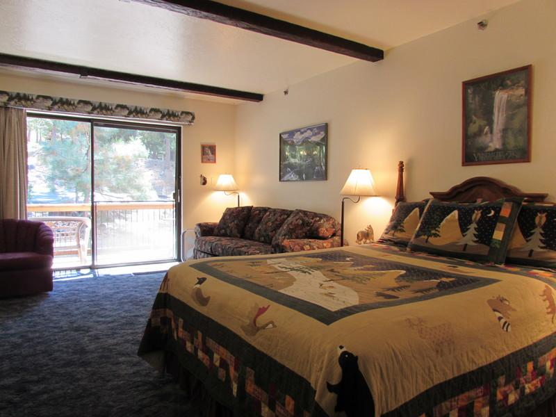 Running Wolf at Yosemite West - Yosemite Condo Ideal for Budget Fun - Yosemite National Park - rentals