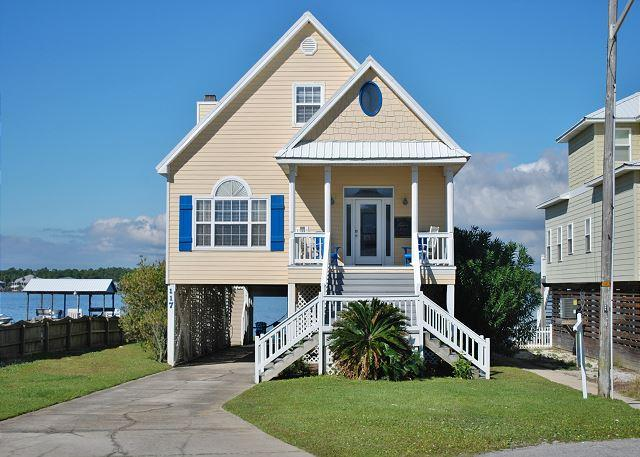 'Southern Breeze' Beach + Lagoon w Pier 5 BD Family Home - Image 1 - Gulf Shores - rentals
