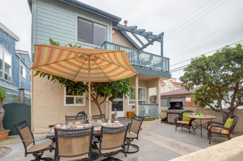Dog-friendly, beach-side home stocked w/beach toys & bikes! - Image 1 - San Diego - rentals