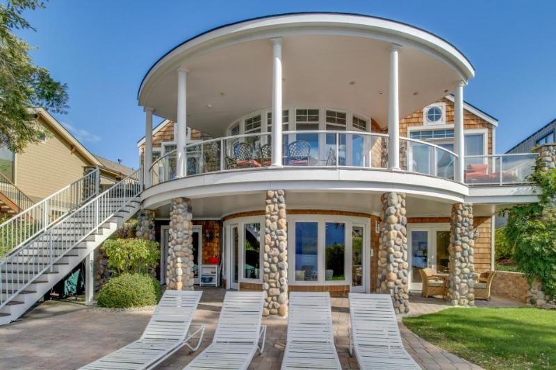 Lakefront home with a private hot tub, a Ping-Pong table, a shared pool & more! - Image 1 - Manson - rentals