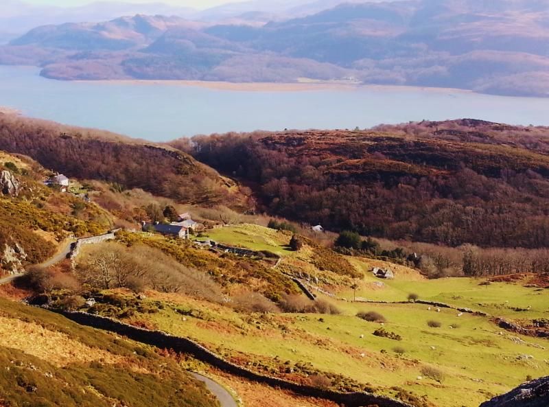 Agnes Fach sits on the Mawddach Estuary the finest estuary in Europe - Agnes Fach Holiday Cottage with Snowdonia Panorama - Barmouth - rentals