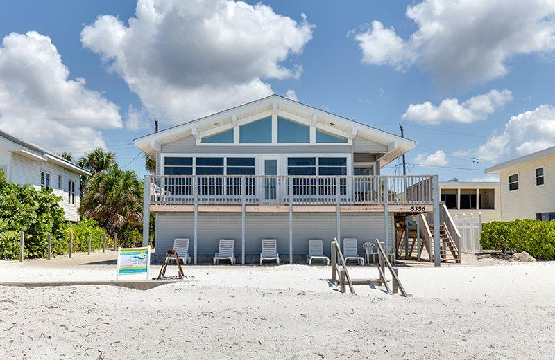 1/23: - Delightful Open Concept Beachfront Getaway with wall to wall views! - Code: Seabreeze Cottage - Fort Myers Beach - rentals