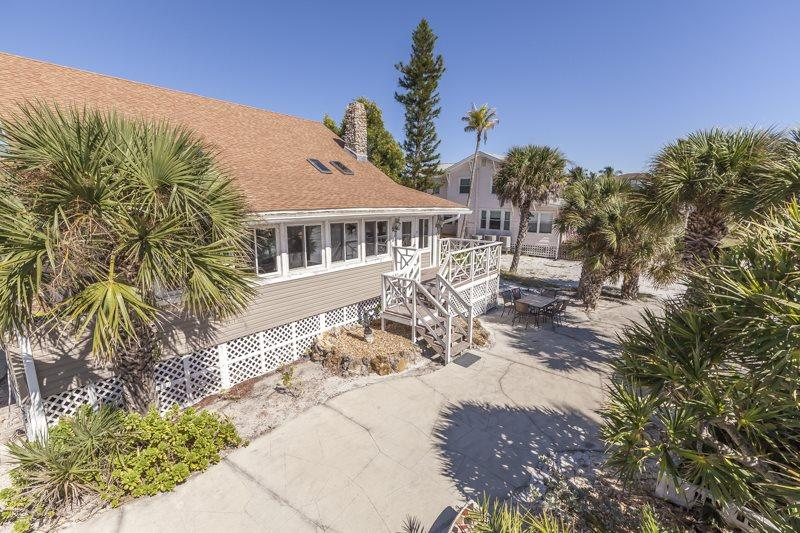Back porch and BBQ area - Code: Beach Chalet - Fort Myers Beach - rentals