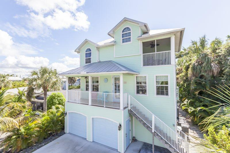 1/31: - Key Lime Villa offers Gulf Views from this stunning new home with Private Pool - Fort Myers Beach - rentals