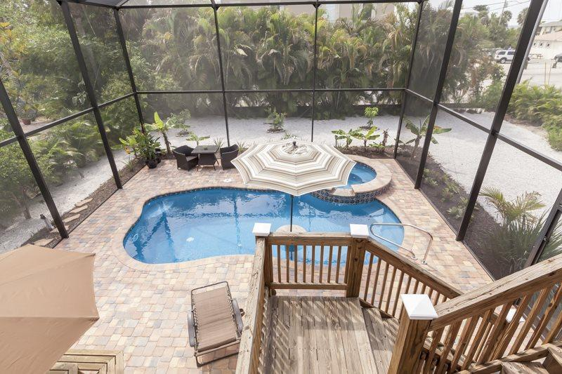 1/23: Beautiful caged pool & spa - Coconut Corner is a Tropical Oasis with gorgeous new pool - Coconut Corner - Fort Myers Beach - rentals