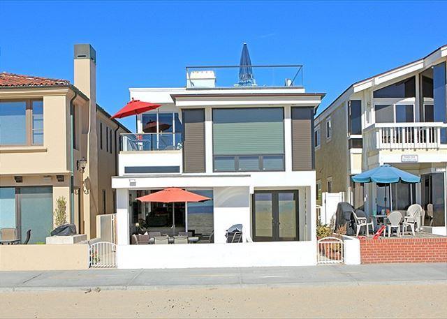 Beautiful Newport Oceanfront Condo! Come & Enjoy the Views! (68239) - Image 1 - Newport Beach - rentals