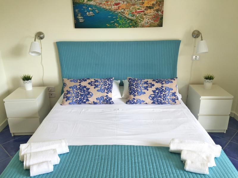 First Bedroom - New Holiday Rentals at 3,5km from the center - Salerno - rentals