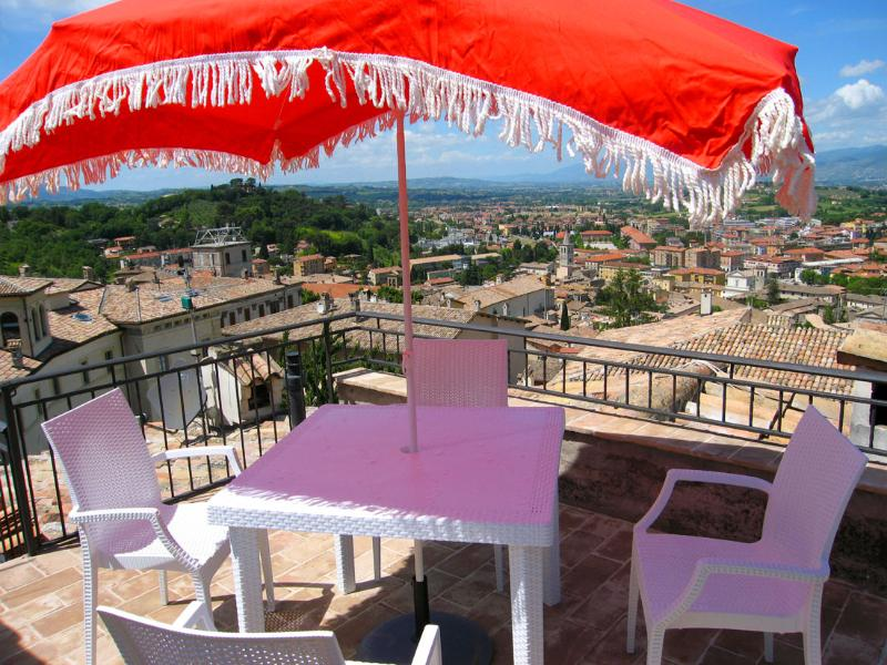 Terrace with sensational views - Terrazza Cathedrale/Car Unnecessary/Spoleto centre - Spoleto - rentals